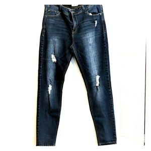 SALE: Kensie ankle jeans